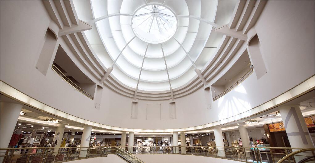 Retractable Roof Commercial Atrium