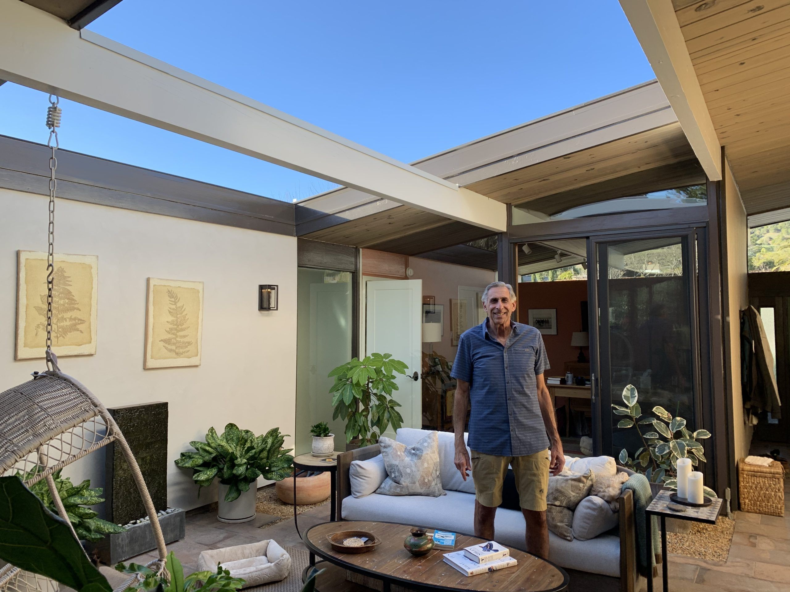 Eichler with retractable skylight open
