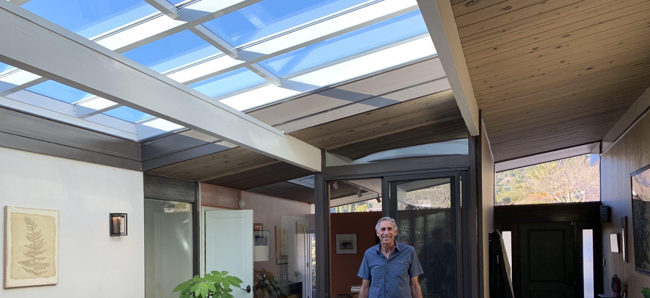 Eichler_atrium_retractable_roof_panorama