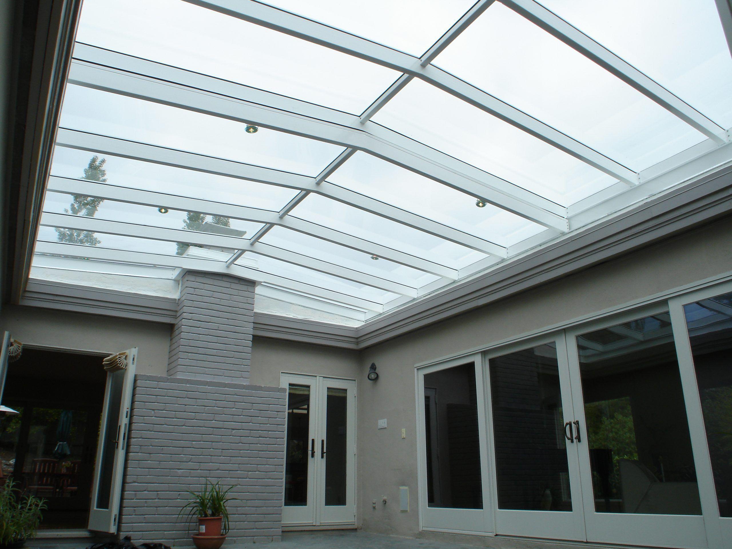 Glass atrium roof closed